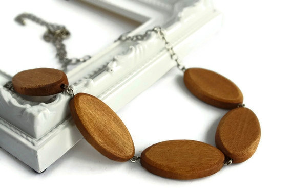 Chunky bead necklace. Light brown necklace with wood beads. Perfect summer fashion. Ready to ship.