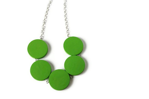 Green Necklace. Wood Bead Necklace in Leaf Green. Bright Color. Spring Fashion, Summer Fashion