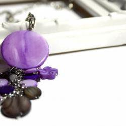 Fashion necklace with chunky pendant in purple and black lake shells beads: chic, simple and classy. Ready to ship.