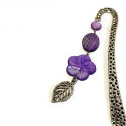 Beaded bookmark. Perfect gift for readers, teachers and any book lover. Purple shell beads. Ready to ship.