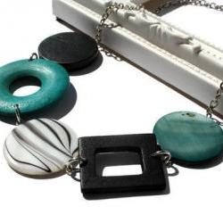 Chunky necklace in teal, black and white lake shells and wood beads. Colorful necklace. Ready to ship.