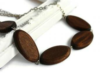 Brown chunky bead necklace. Oval wood beads.